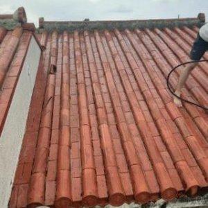 外壁・屋根の洗浄作業を行いました